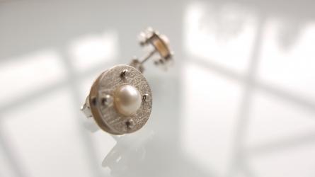 Nowość: Kolczyki White Pearl Moon