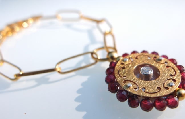 NOWOŚĆ: Mandala Granaty na Łańcuchu